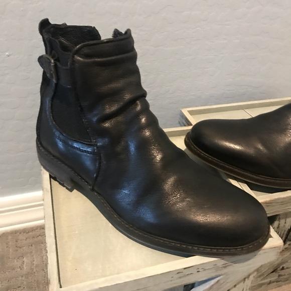 7ac0be28e95 Steve Madden Men s Loren Leather Boots. M 5b33f9272beb7919c56b99d5
